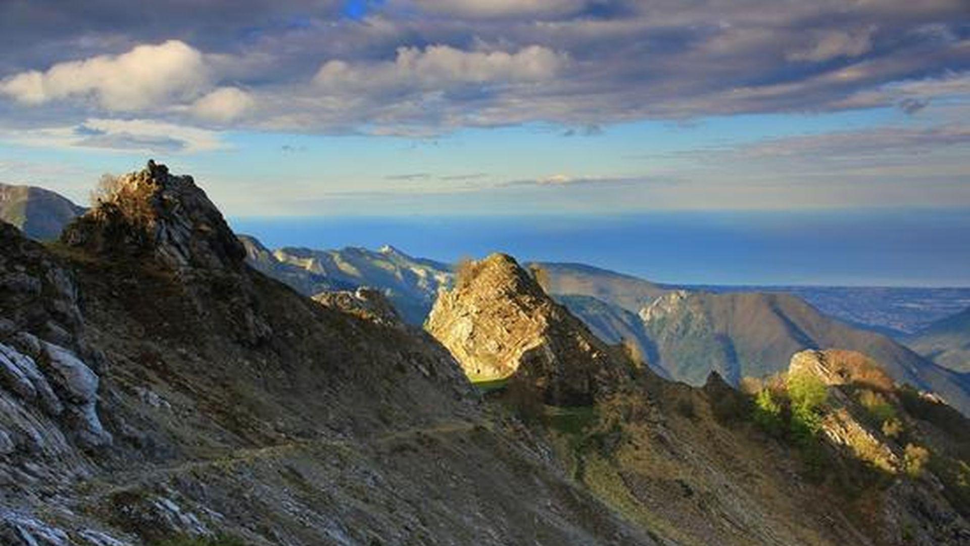 Cost della Versila vista dalle Alpi Apuane