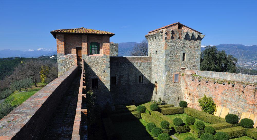 Fortezza del cerruglio a Montecarlo nella piana di Lucca