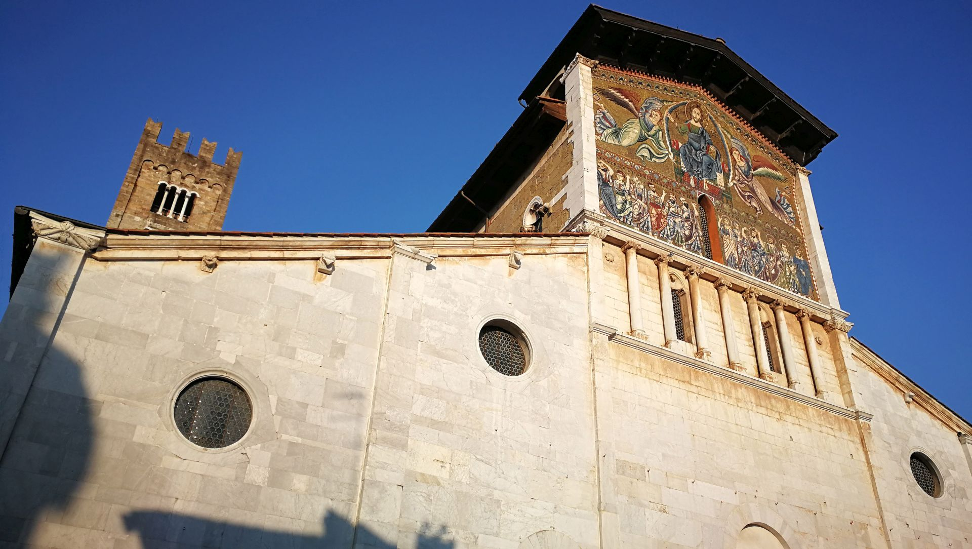 church san frediano in Lucca