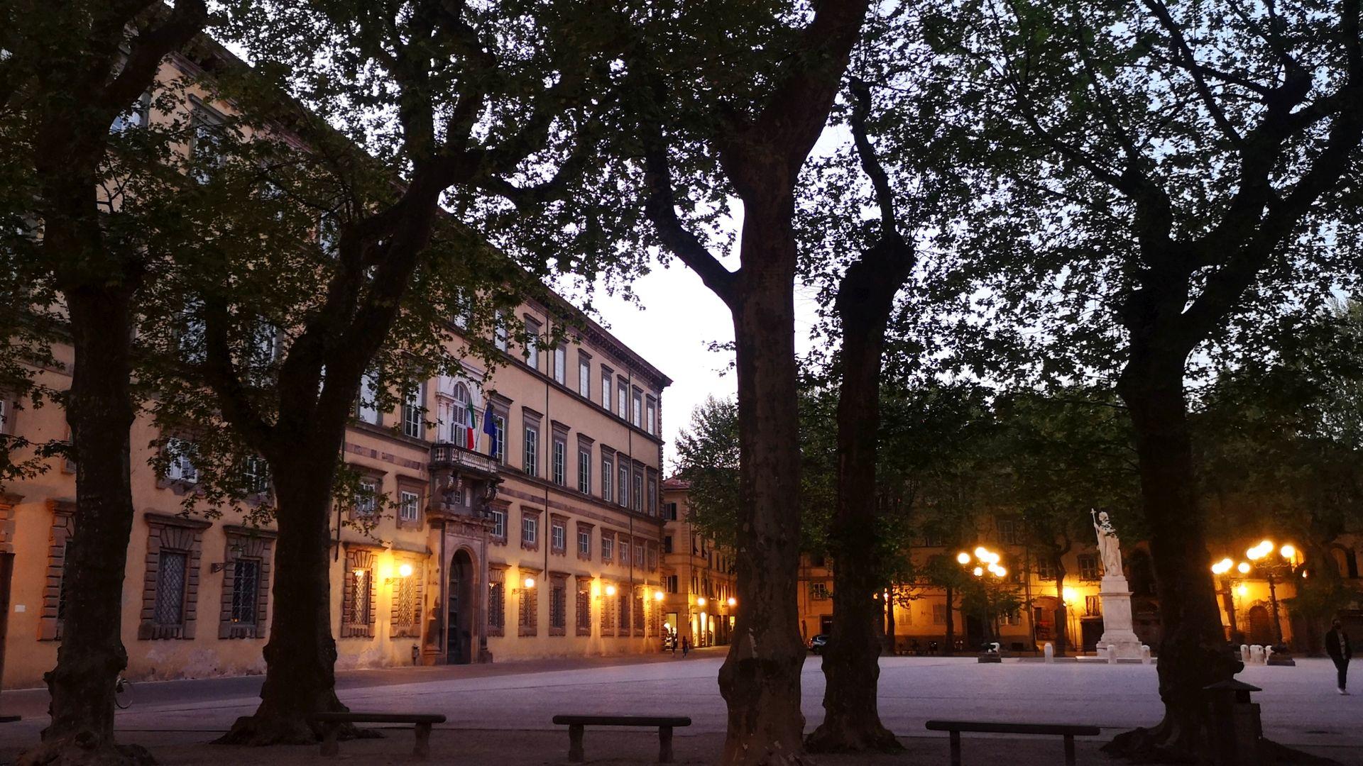 piazza Napoleone a Lucca